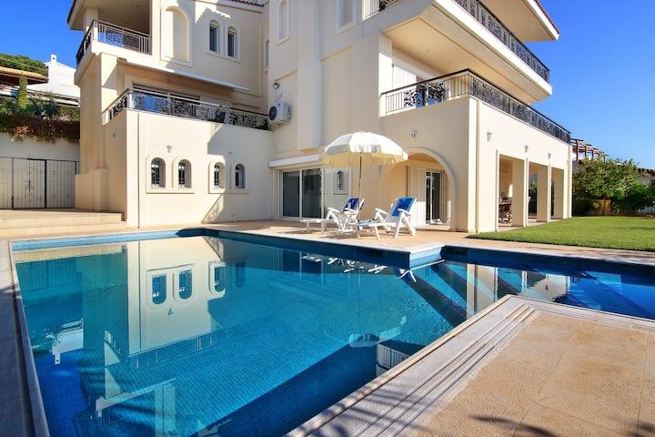 Villa Domus Riviera
