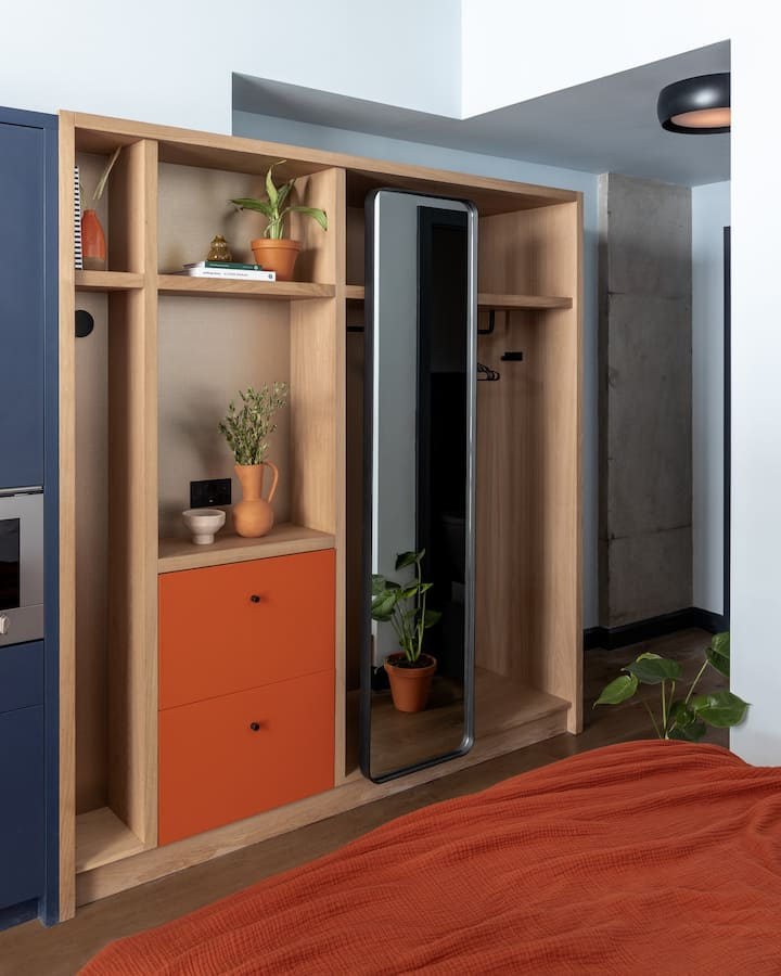 One Bedroom Suite- Accessible Twin at Beckett Locke