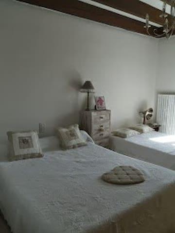 Chambre chez l'habitant - Costaros - Talo
