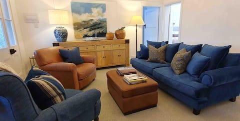 The Dewhurst - Sophisticated Entire CBD Apartment