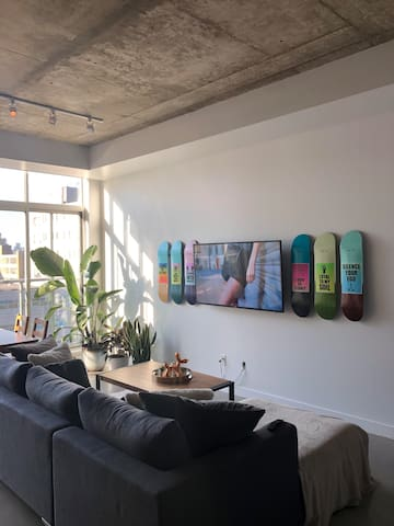 Beautiful Loft In Heart Of Entertainment District