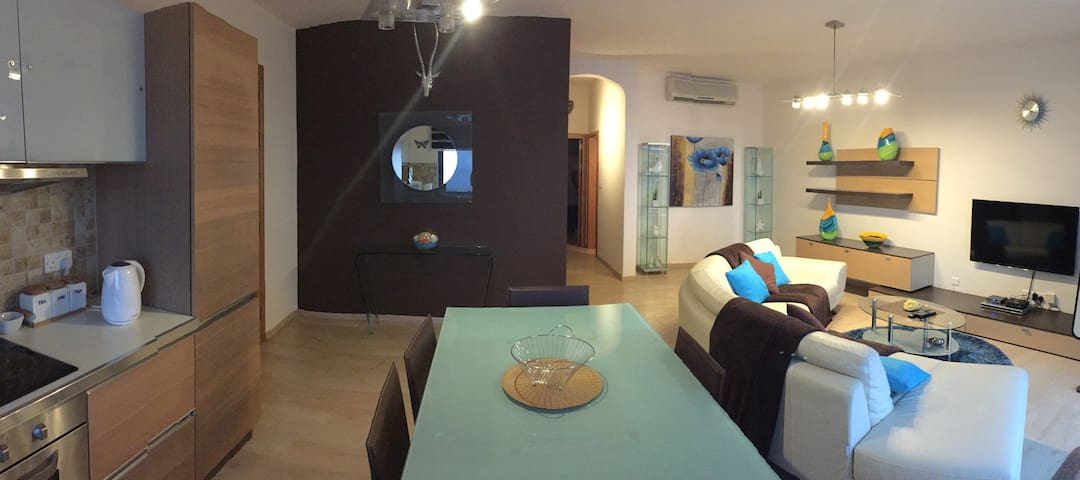 Luxury 2 b/room with amazing views - Nadur - Lägenhet