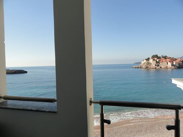 Amazing apartment on the sea foam,Sveti Stefan #B7 - Sveti Stefan - Pis