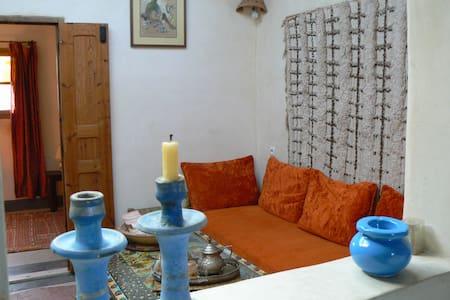 """""""Bluecaravan""""  appartement ORANGE - Essaouira"""