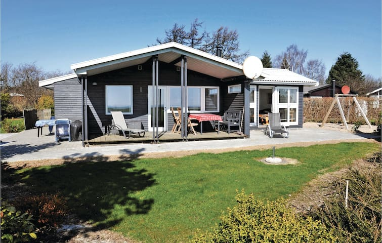Holiday cottage with 2 bedrooms on 85m² in Sydals