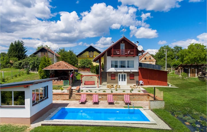 Beautiful home in Selnica with Outdoor swimming pool and 2 Bedrooms