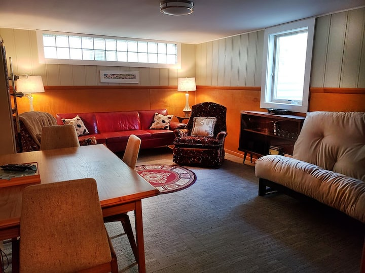 The Custer House, c.1952-Fully Furnished-Utls Incd