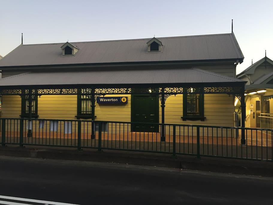 Waverton train station