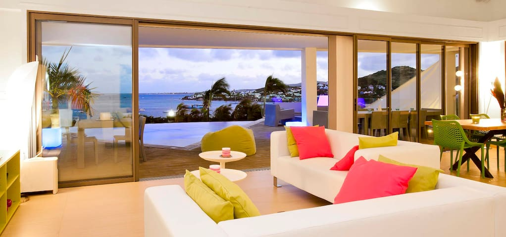 Villa Lobster 4 bedrooms has an amazing view in first ligne on Pinel Island - Saint-Martin - Villa
