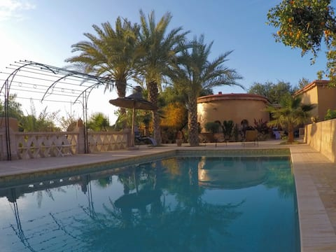 Oasis Argane  : 4 chambres  + piscine chauffée,...
