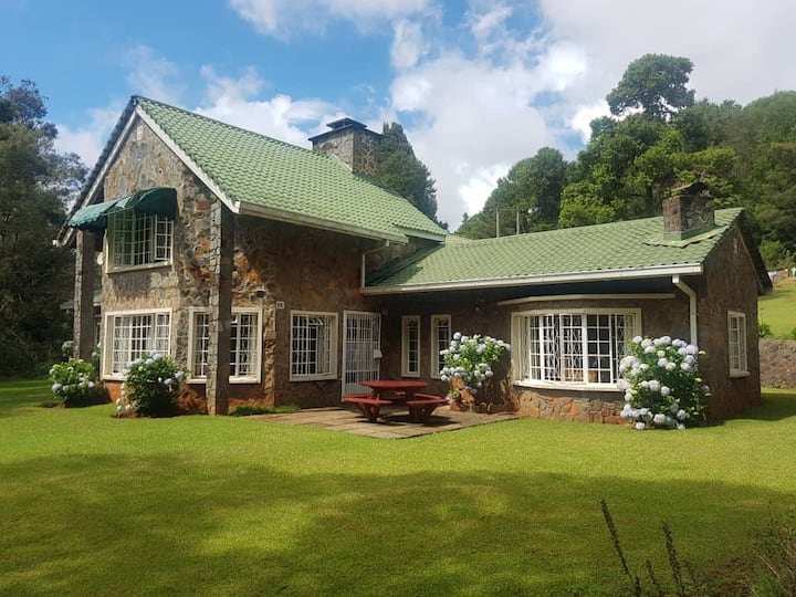 Cozy Nyanga Cottage