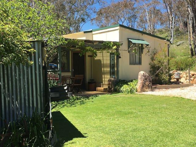 Carla's Cottage - Tambaroora - Cabin