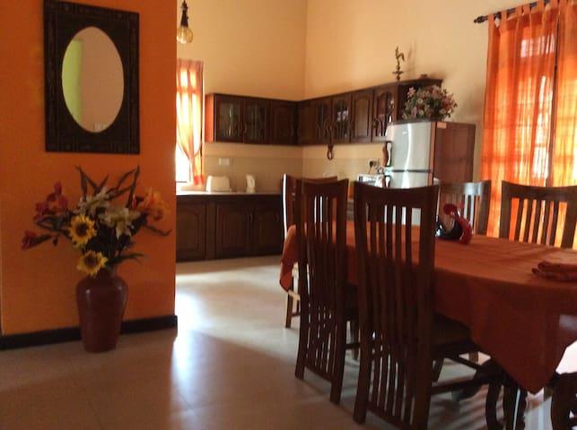 AB Villa Peradeniya - Peradeniya - Huis