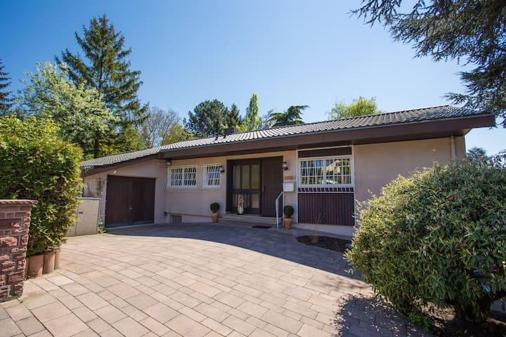 House: 100 sqm + 1500 sqm garden - Wörrstadt - Huis