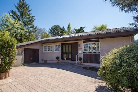 Villa-Doerr 100 qm + 1500 qm Garten - Wörrstadt
