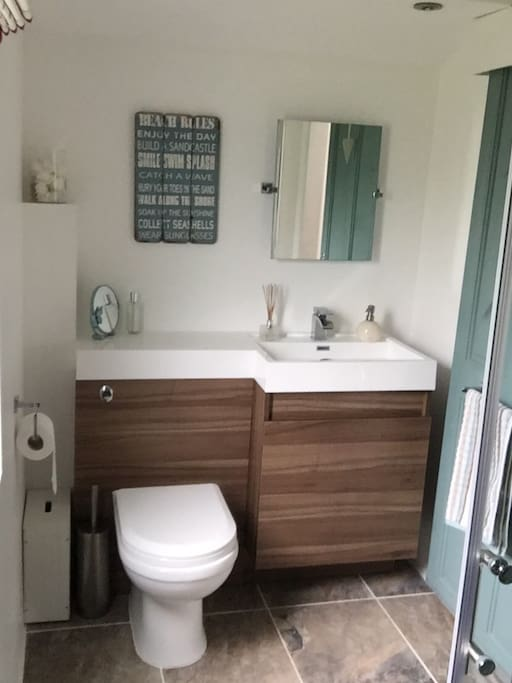 Newly furnished ensuite.