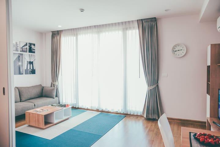 清迈宁曼路中心位置 精品高端公寓 The Nimmana一室一厅 舒适温馨 乳胶枕