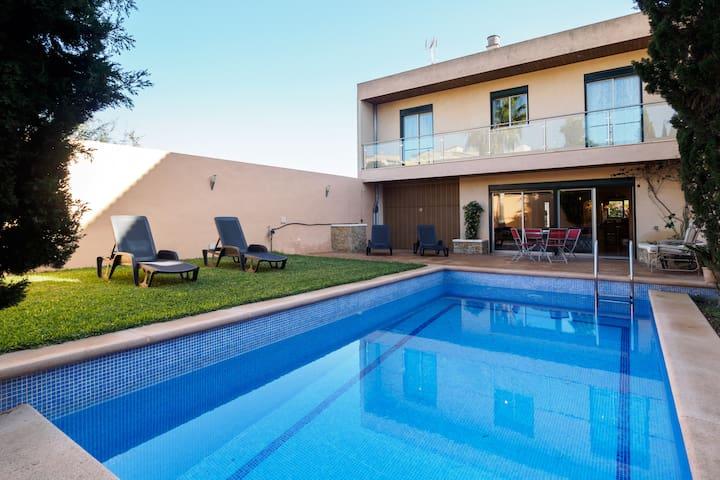 Bouganvilla Villa - Center Mallorca - OFFERS!