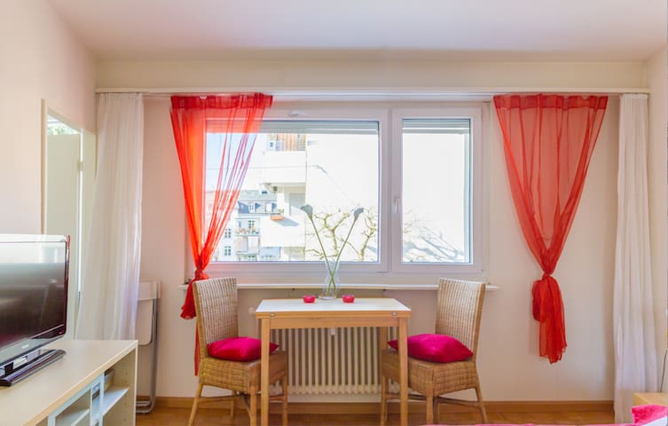 Lovely   apartm near river Rhein and Messe Basel