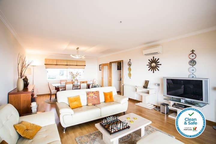 Beach Luxury Apartment | AC | Parking | Pool