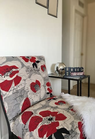 Chic, Sophisticated and a Short Uber to Everything - Ypsilanti - Apartment