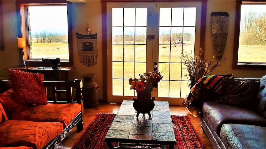 2BR Apartment on an African American Heritage Farm