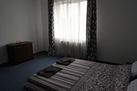 мини-отель люкс р-н ж\д вокзал - Ivano-Frankivs'k - Apartamento