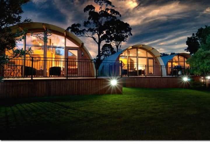 43 Degrees Bruny Island - Studio Spa Apartments