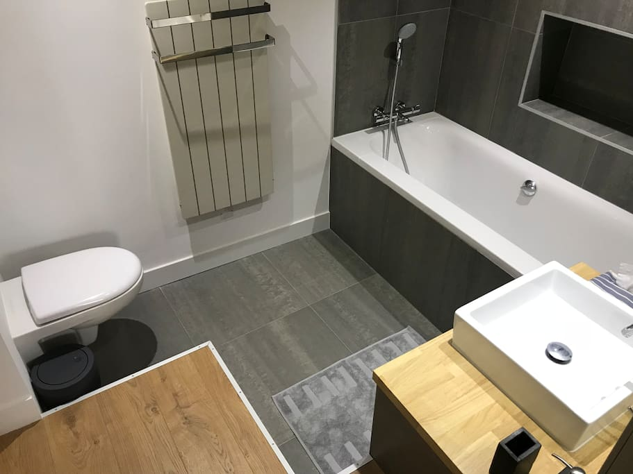 Salle de bain privée + WC