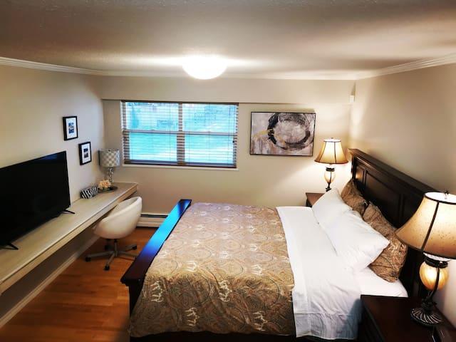 温哥华西区、干净、舒适温馨的、大地家园