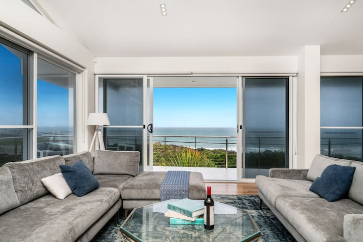 Viewpoint, Coastal chic! with Wi-Fi