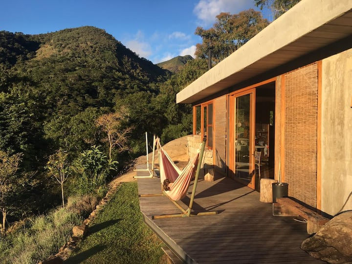 Mountain cabin in the forest, Vale das Videiras