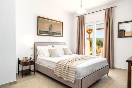donna dorato comfort apartment #foinikounta bay#
