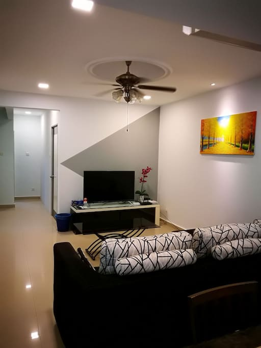 """Family hall on the ground floor with 49""""ultra HD LED smart TV and unlimited TV BOX movies"""