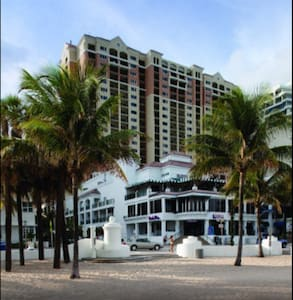 Beach Place Towers Studio March 25-26 - Fort Lauderdale