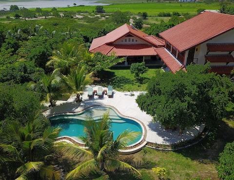Private lakefront villa near Yala and Bundala