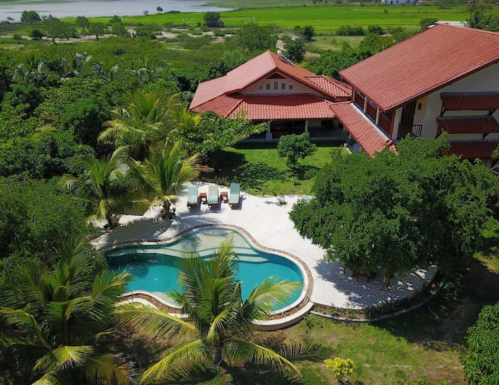 Private lakefront villa near Yala and Bundala