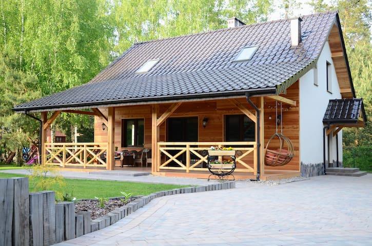 Uroczysko Lubiaszów - Dom pod lasem nad jeziorem