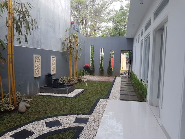 Big house 180sqm with garden and 4BR for rent