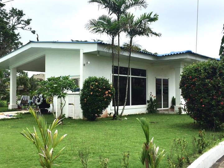 Villa Lanita. Art Villa en el Caribe. Panama