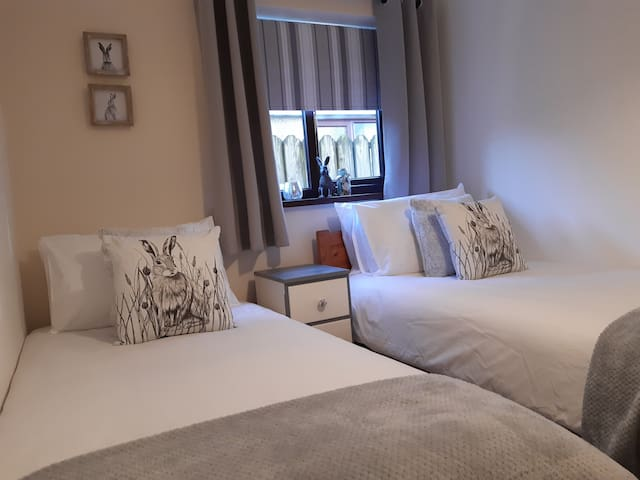 Porthallow Bungalow, St Keverne Cornwall. Twin bed
