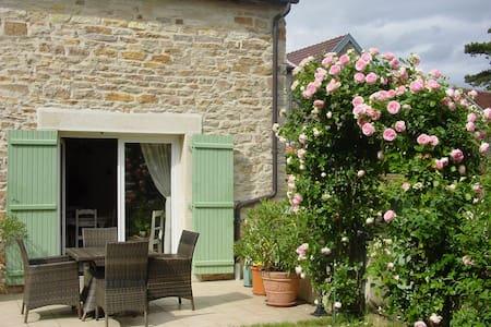 La Maison des Vignes - Gevrey-Chambertin - Talo