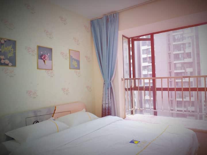 华人易居全国连锁翰林国际两居室