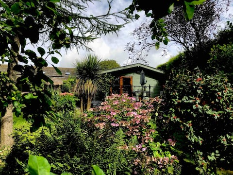 A Log Cabin in peaceful & picturesque surroundings