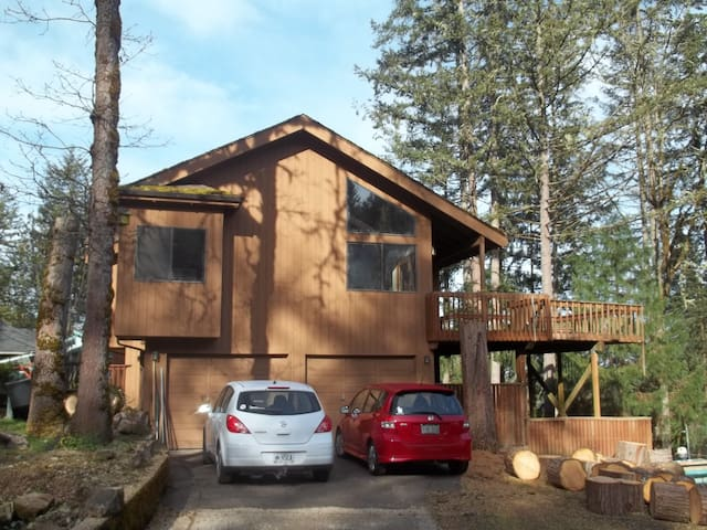 Private room in quiet home in Thurston Hills - Springfield - House