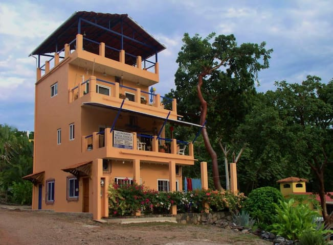 Fresh Breeze Inn with Ocean View - Chacala - Villa