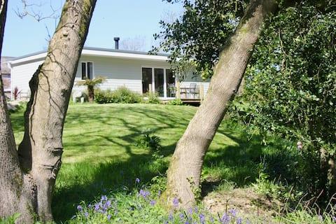 Meadow View     (Chy Lowen)