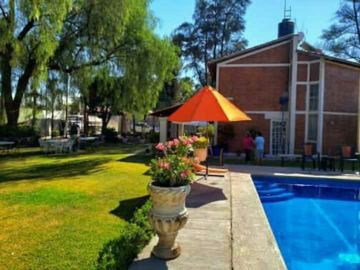 Casa de campo next to Airport-GDL con alberca