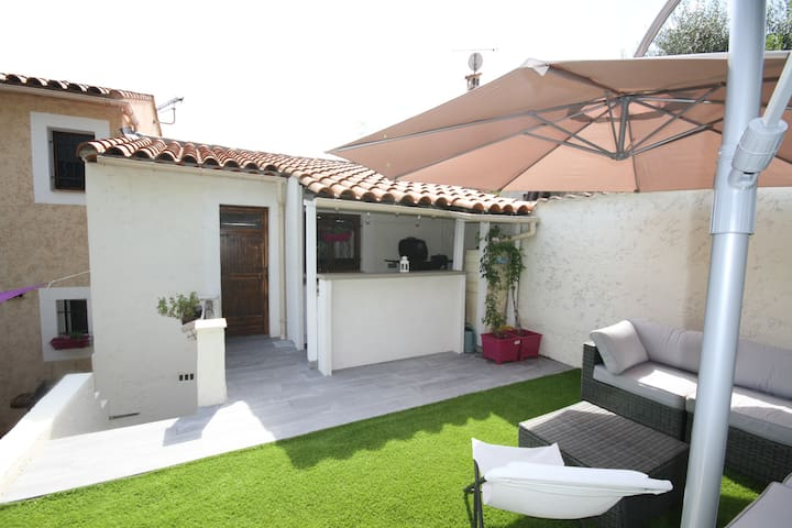 Villa  provençale moderne 850m plages & commerces - Villeneuve-Loubet - บ้าน