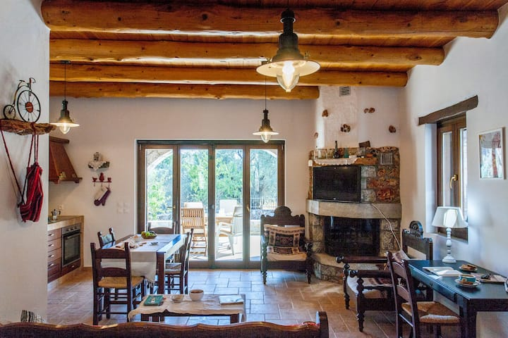Aradena Traditional Houses 4